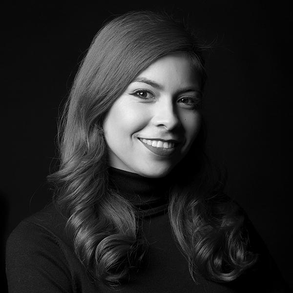 KARENINA B. CLARK - EDUCACIÓN Y SERVICIOS PROFESIONALES